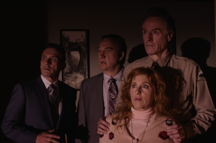 Twin-Peaks-The-Return-S03E17-The-Past-Dictates-The-Future-Bad-Coop-ball-watching